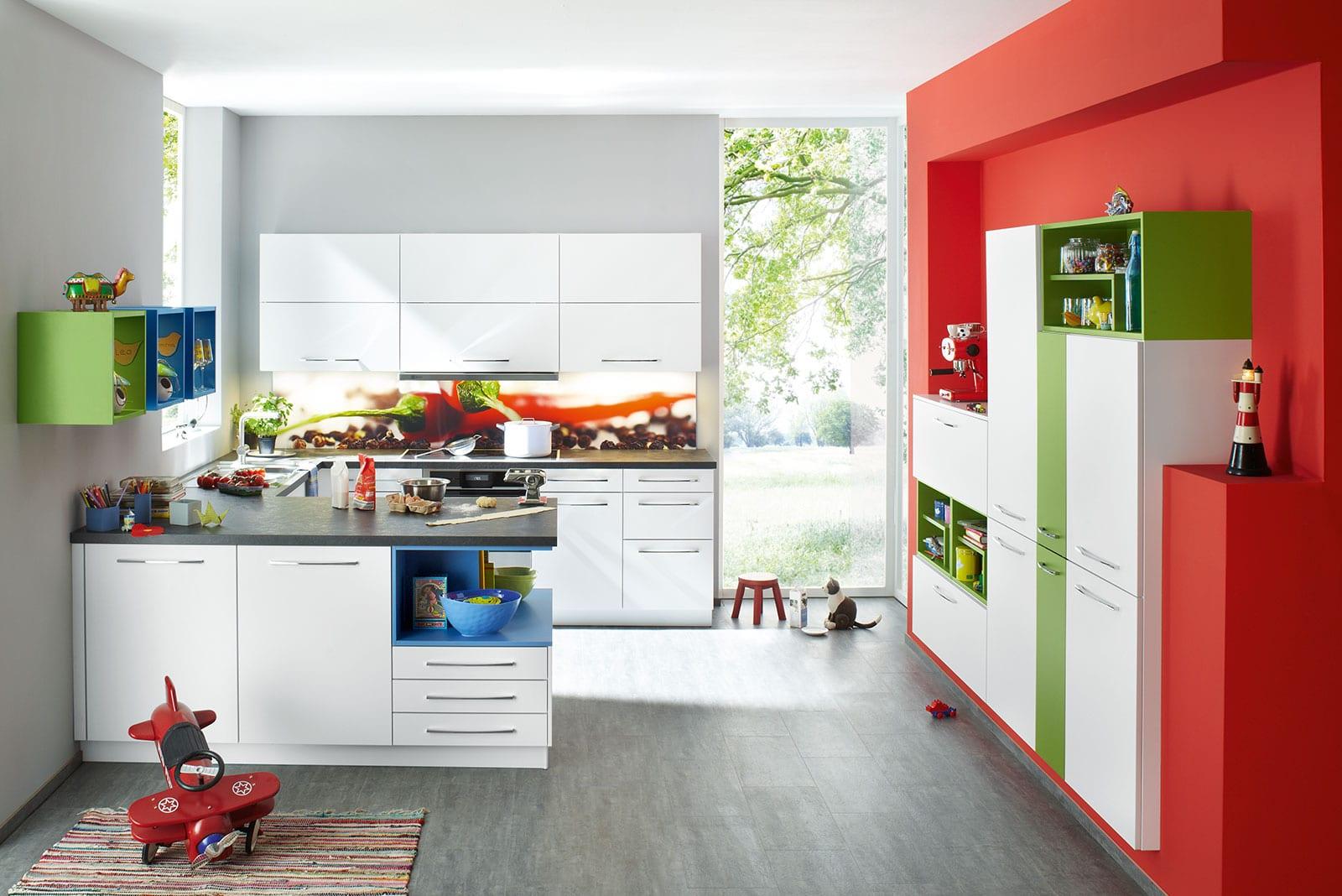 Küche rot-weiß-blau
