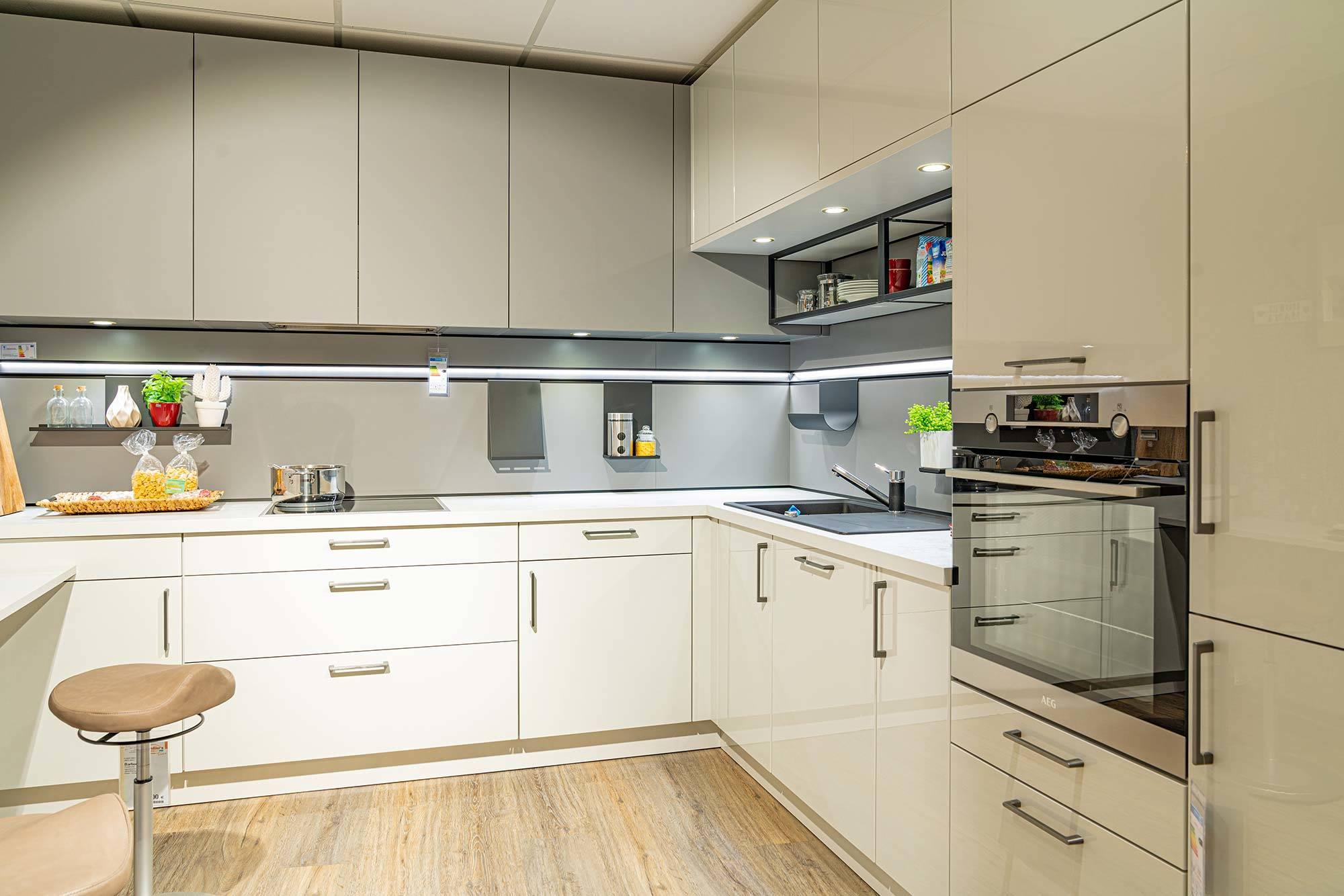 Weiße Küche L-Form