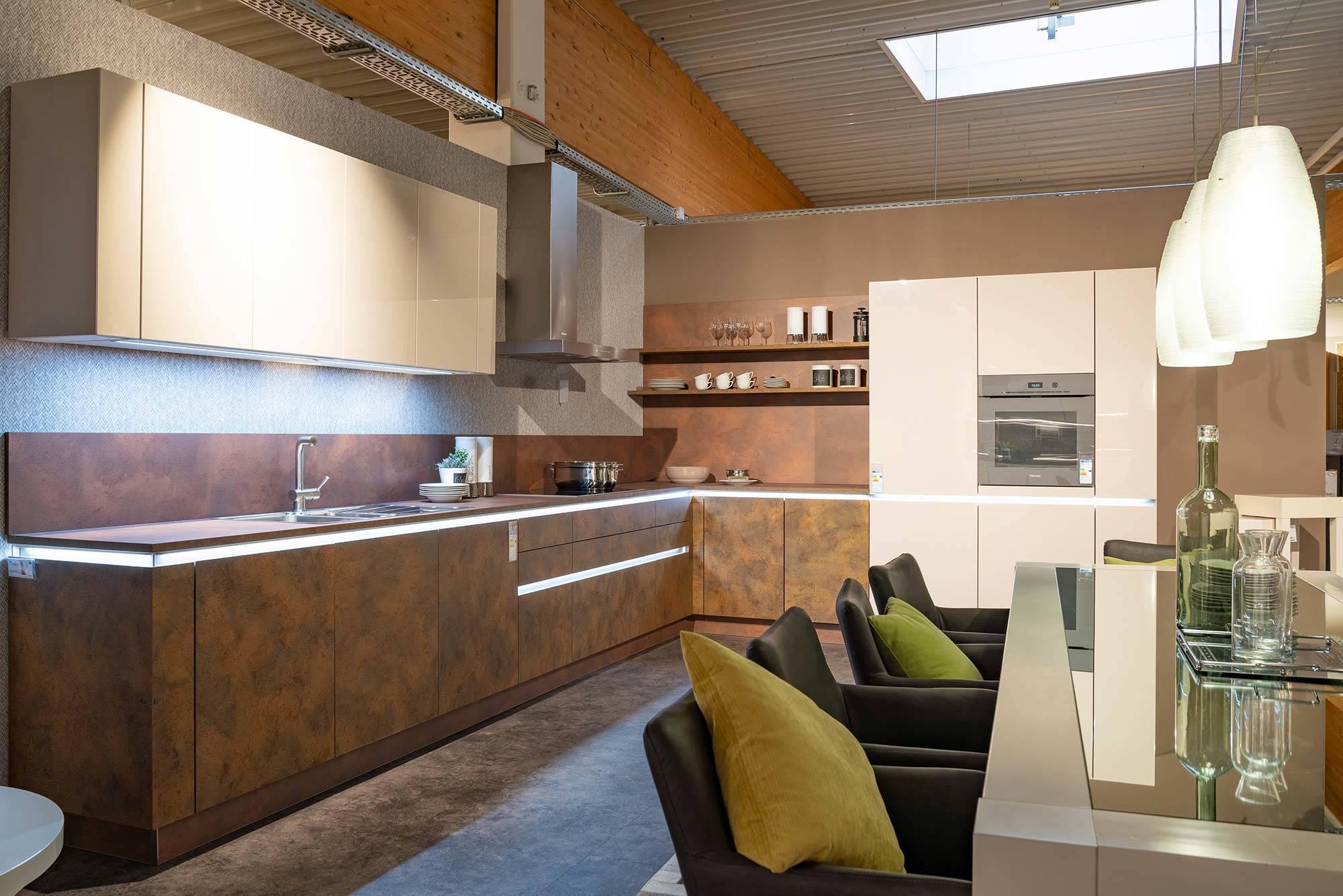 Küche Kupferoptik Fronten weiß